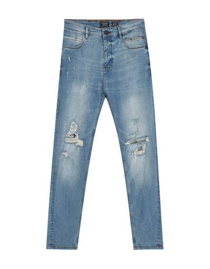 Light wash carrot fit jeans