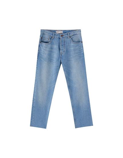 Straight fit jeans med vasket slidt-look