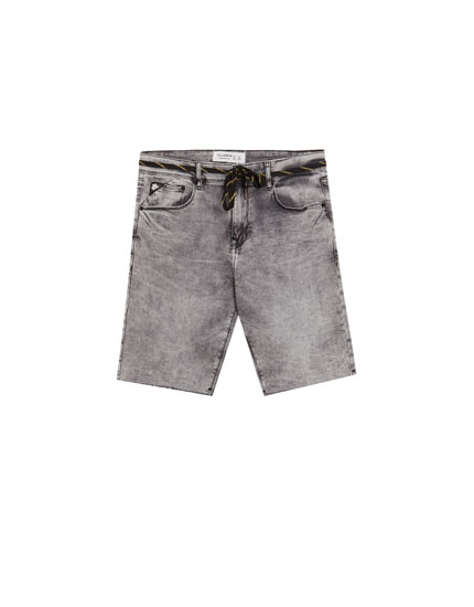 Grey super skinny denim Bermuda shorts