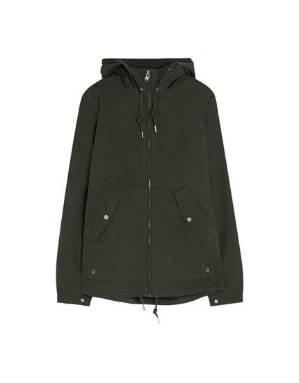 Short light hooded parka