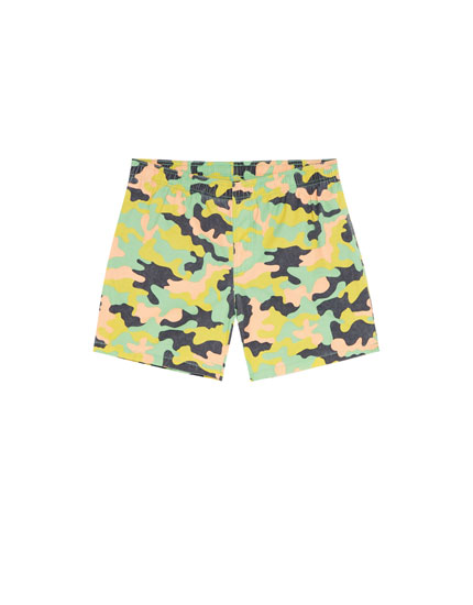 Swimming trunks with multicoloured camouflage print