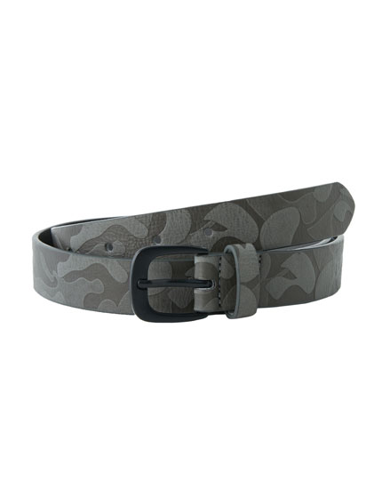 Raised camouflage print belt
