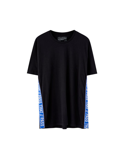 T-shirt with shoulder stripe