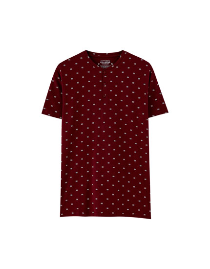 Burgundy all-over spinning top print T-shirt