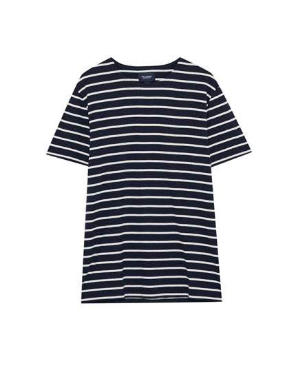 T-shirt med marinestriber