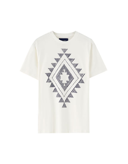 T-shirt with decorative print