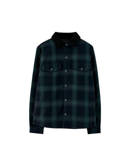Jachetă overshirt în carouri cu blană de miel sintetică