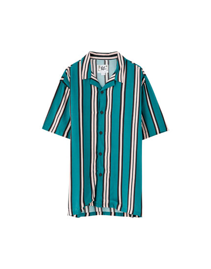 Short sleeve shirt with multicoloured stripes
