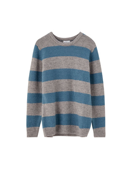 Round neck wide stripe sweater