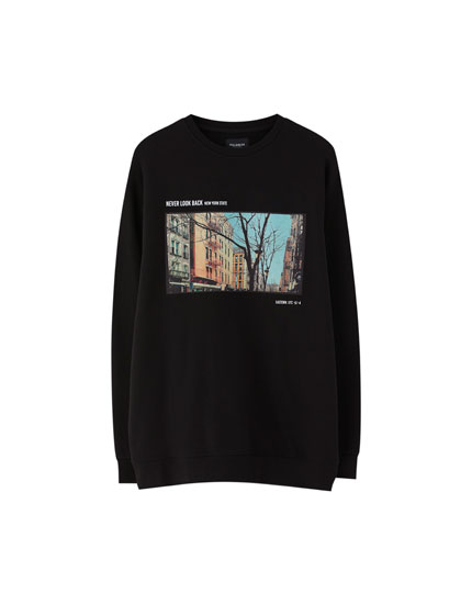 Sweatshirt with photographic patch