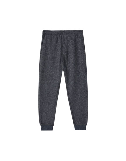 Jogging trousers with back pocket