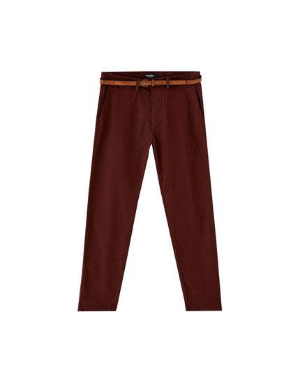 Pantalons xinesos skinny fit amb cinturó