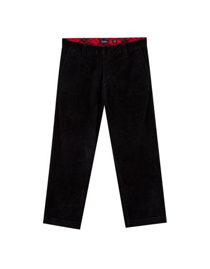 Pantalón de pana tipo chino
