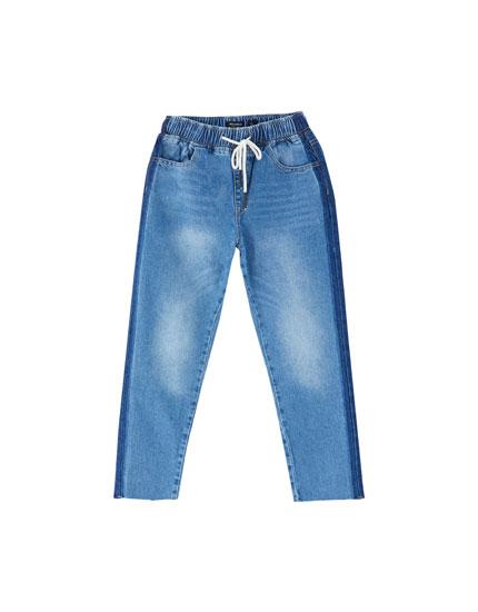 Jogging-jeans med rå kant