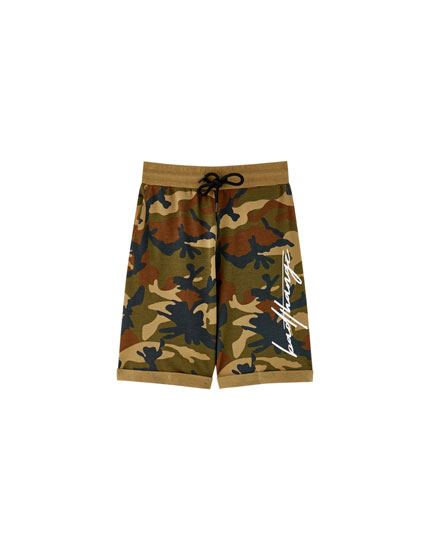 Jogging Bermuda shorts with prints