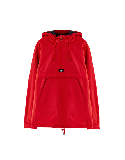 Hooded jacket with pouch pocket