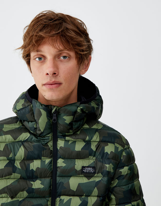 Lightweight Puffer Jacket With Hood by Pull & Bear