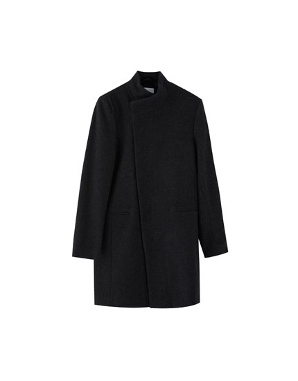 Woolly coat with side fastening