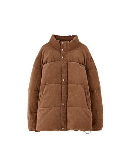 Chamarra acolchada tipo abrigo de plumas de pana
