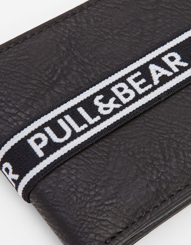 Pull & Bear - Black wallet with rubber logo strap - 2