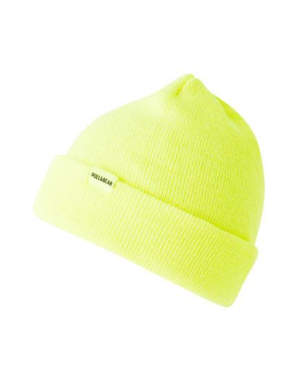 Basic coloured knit hat