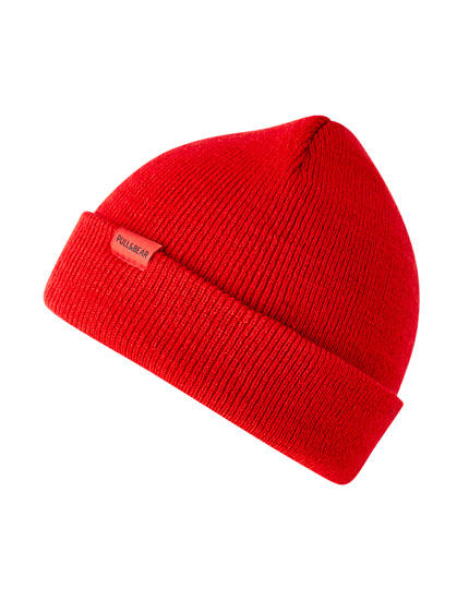 Basic coloured knit hat