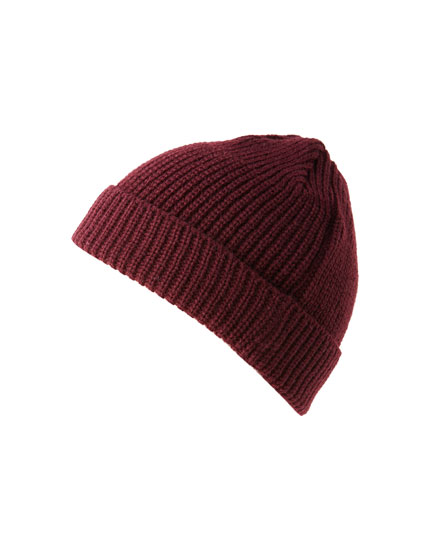 Contrasting knit beanie