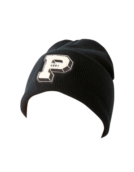 Beanie with letter patch