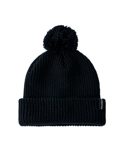 Black melange hat with pompom
