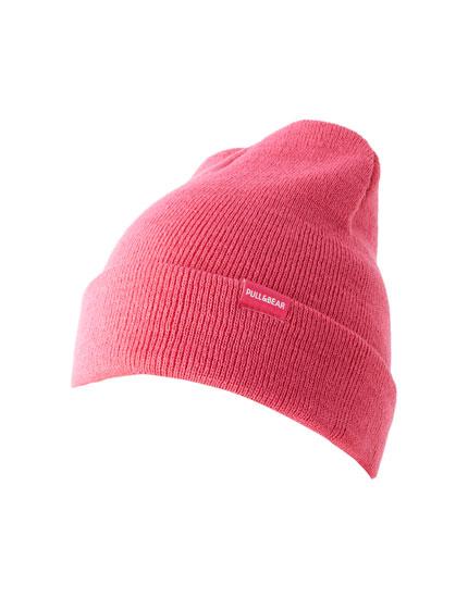 Pinkfarbene Strickmütze