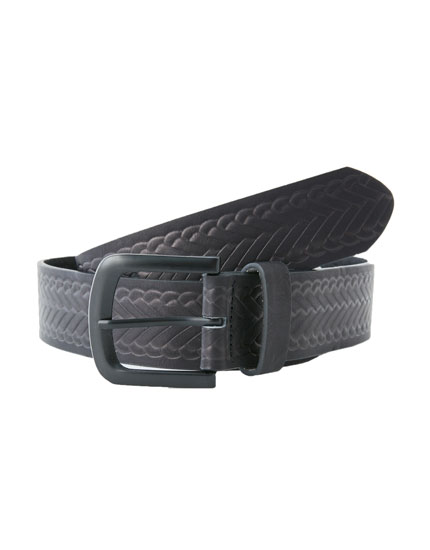 Raised plait belt
