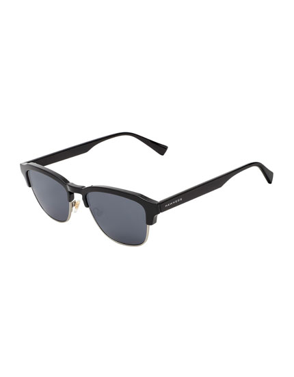 Hawkers Diamond Black Dark Classic Sunglasses