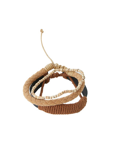 Pack of braided brown bracelets