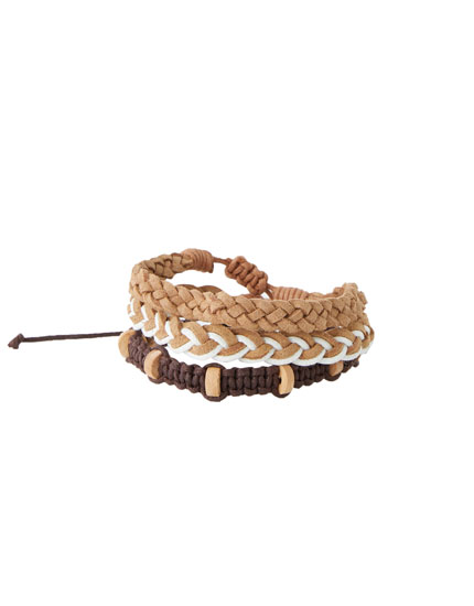Pack of braided bracelets with motifs