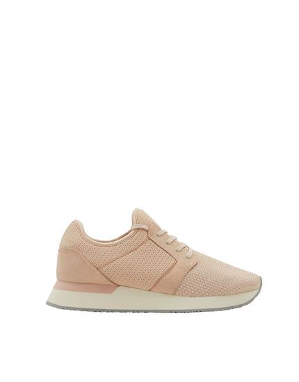 Sneaker met roze mesh