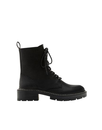 Basic biker boots