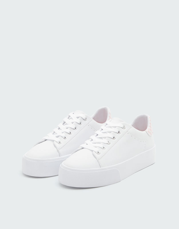 857f4614ca37 Trainers with pink chequered detail - PULL BEAR
