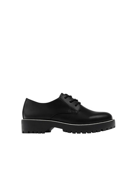 Black derby shoes with chain detail