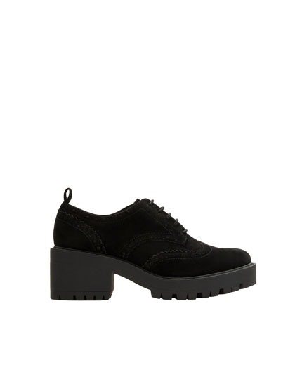 Black mid-heel lace-up brogues
