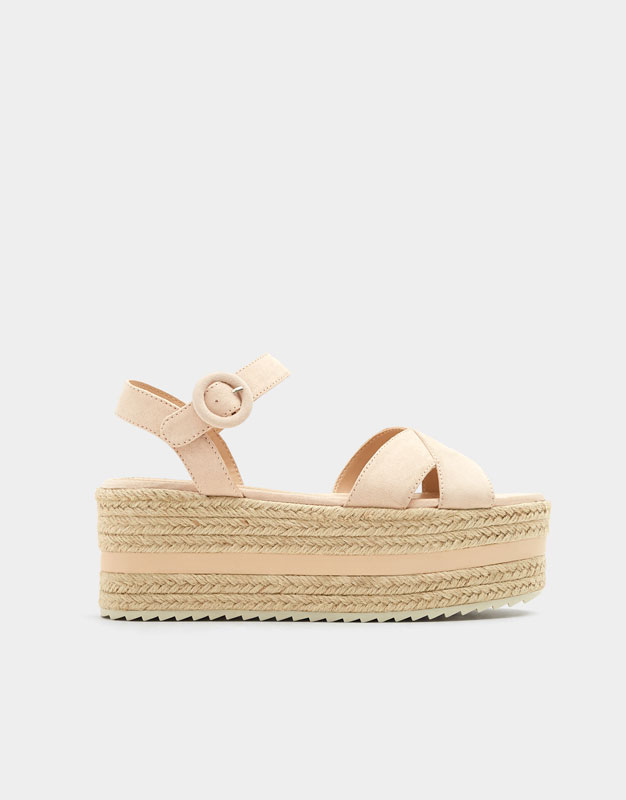 Pull & Bear - Chunky wedges with criss-cross straps - 1