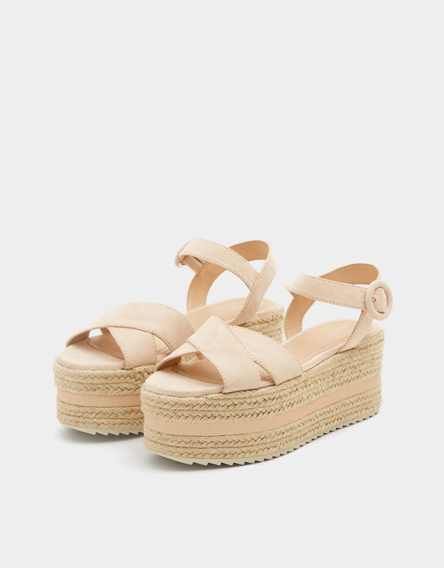 Pull & Bear - Chunky wedges with criss-cross straps - 2