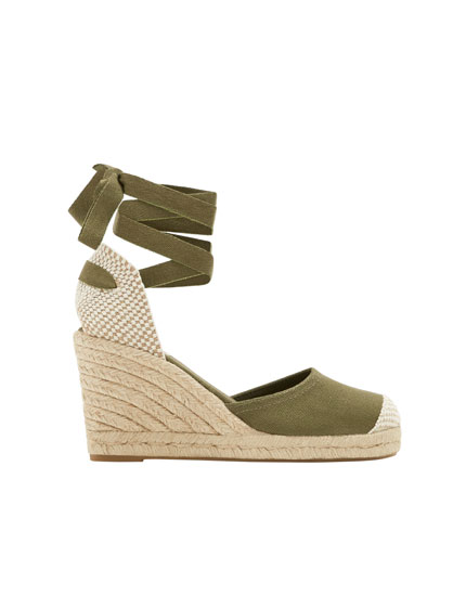 Green tie-up jute wedges