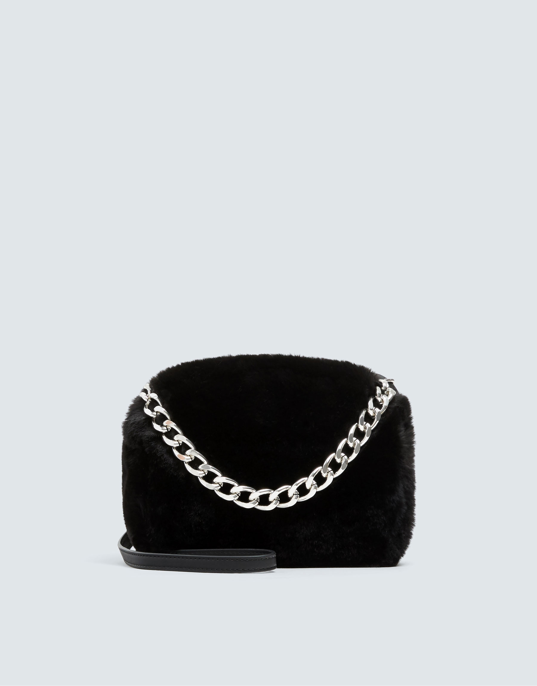 Faux fur crossbody bag with chain detail - PULL BEAR 160e25545f501