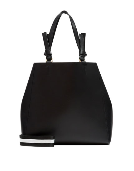 Black tote bag with two-tone handle