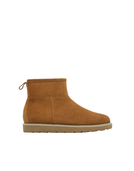 Camel leather ankle boots with lining