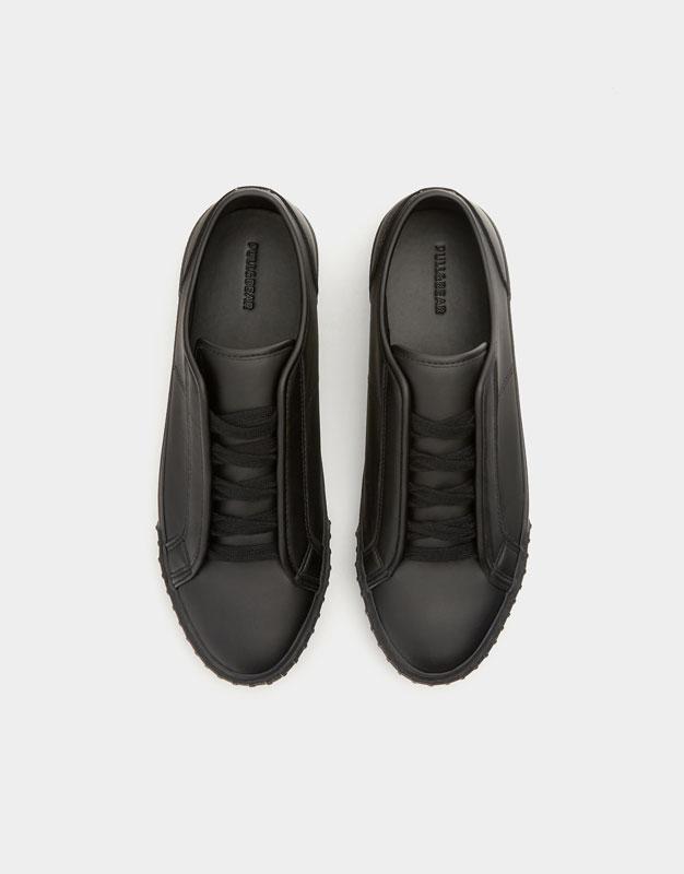 38aba6b593b5 Full black trainers - PULL BEAR