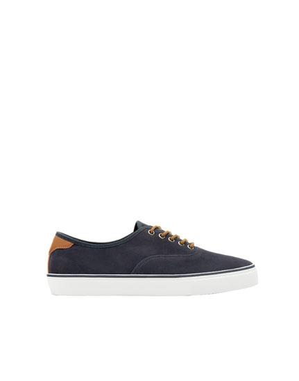 Basic blue urban sneakers