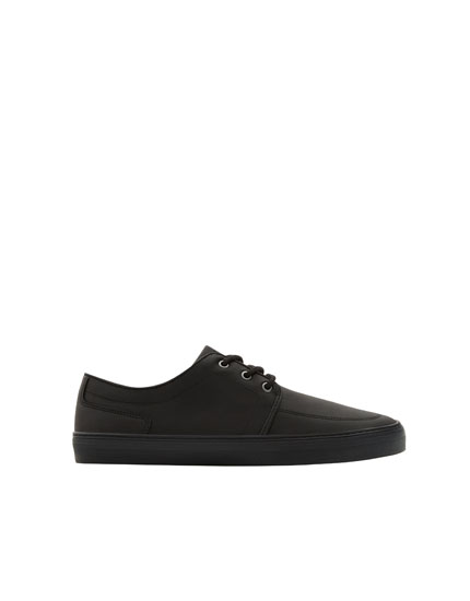 Zwarte sneaker in full black