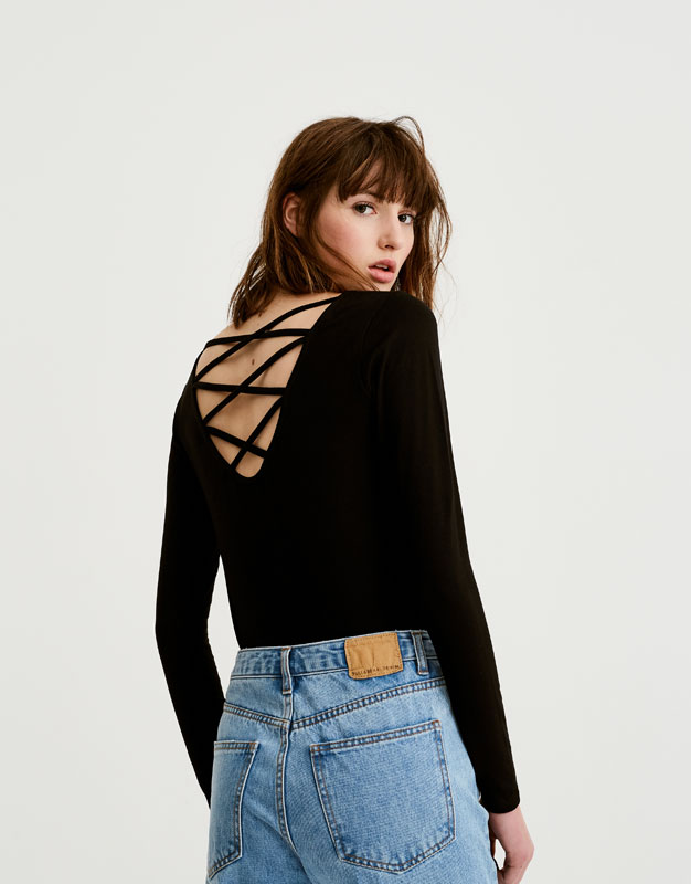 T-shirt with lace-up corset-style back