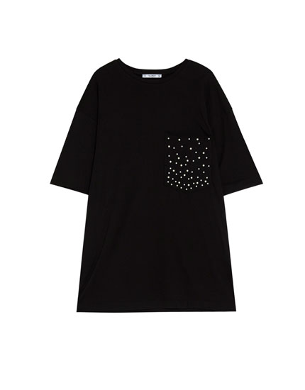 T-shirt with pearl-embellished pocket